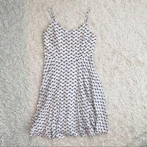 Old Navy White & Black Skater Dress Size Medium